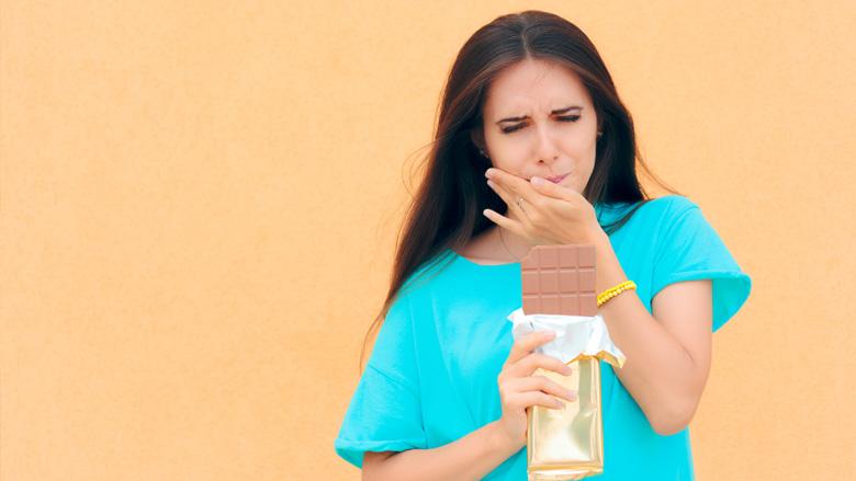Viel Zucker erhöht Risiko von Karies und Zahnfleischentzündungen