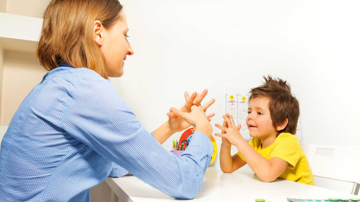 Badanie rzuca nowe światło na zdrowie jamy ustnej dzieci z autyzmem