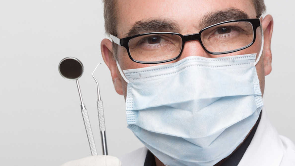 COVID-19: FEPPD nudi nasvete zobozdravnikom in laboratorijem