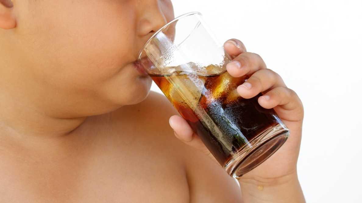 Virvoitusjuomat — yhdistävä tekijä ylipainon ja hampaiden eroosion välillä