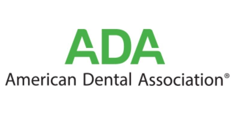 """ADA vs OMS: """"La odontología es atención de la salud esencial"""""""