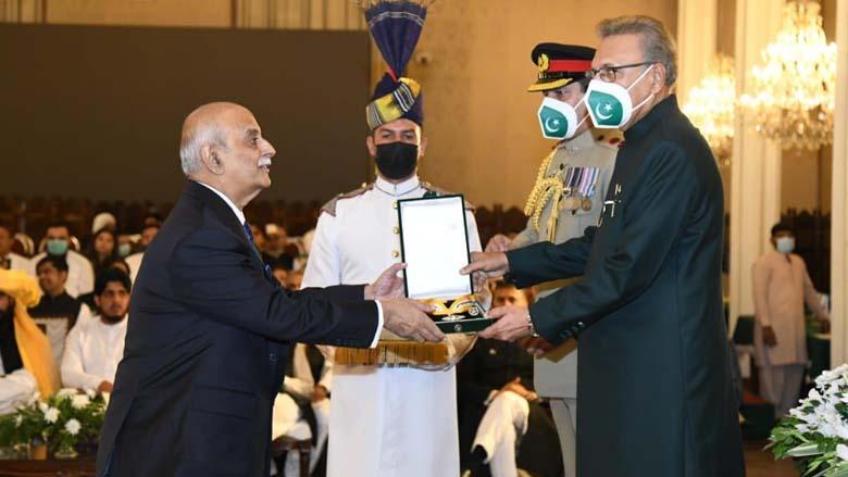 Dr Kamran Vasfy receives Sitara-E-Imtiaz