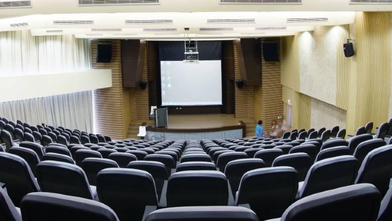 Il DPCM 18 ottobre: non tutti i convegni vanno bloccati