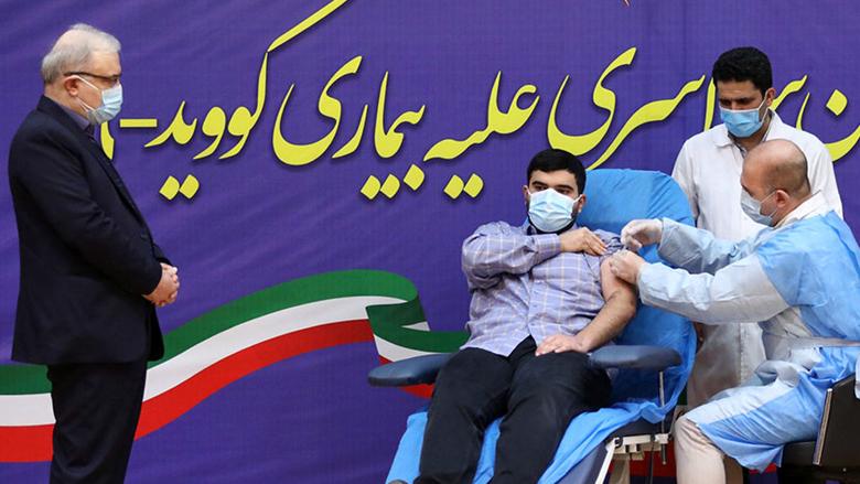 آغاز واکسیناسیون در ایران ، پسر وزیر بهداشت نخستین واکسن را زد