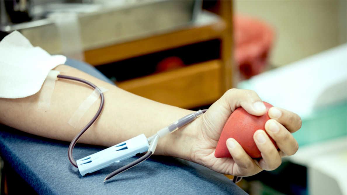 Пародонтит повышает риск присутствия бактерий в донорской крови