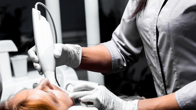 Как стоматологи-гигиенисты экономят время, деньги и материалы, работая с цифровыми оттисками