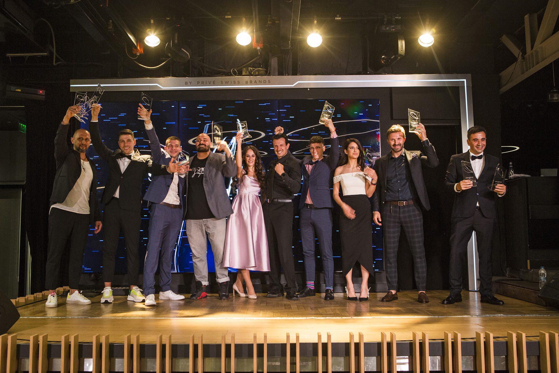 """Конкурсът """"Усмивка на годината"""" награди 16 млади дентални професионалисти"""