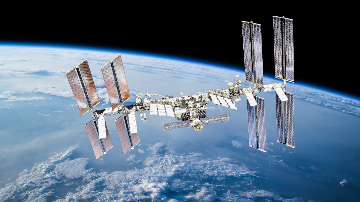 Scientists conducting novel oral health research in space