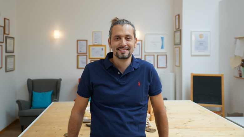 Tiroler Dentalprofessor revolutioniert die Zahnimplantologie